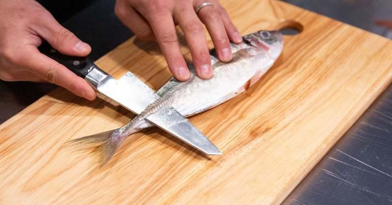 もう迷わない「出刃+柳刃 2in1 魚さばき包丁」誕生の理由は食文化への想いから
